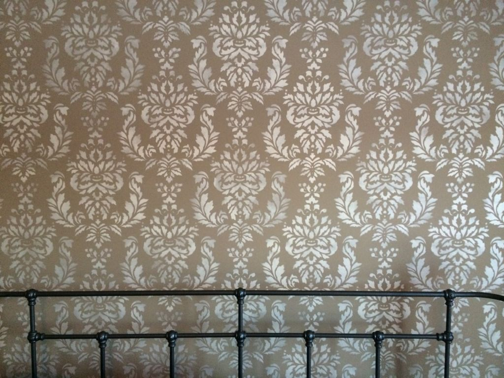 ... Wall I Bedroom With Lighter Color Stencil Design ...